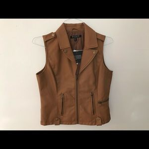 Leather vest women's medium